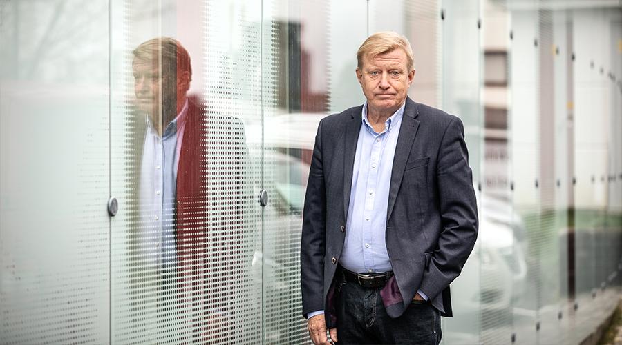 Kuvassa on Pirkanmaan sairaanhoitopiirin talousjohtaja Pasi Virtanen